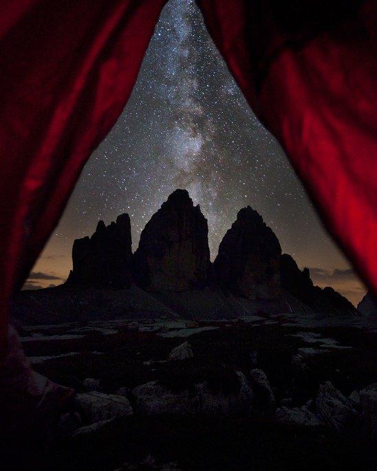 Красивое фото ночью в горах
