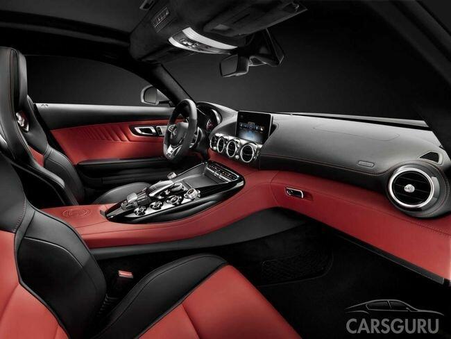 Mercedes-Benz рассекретил интерьер спорткара AMG GT - CarsGuru.net