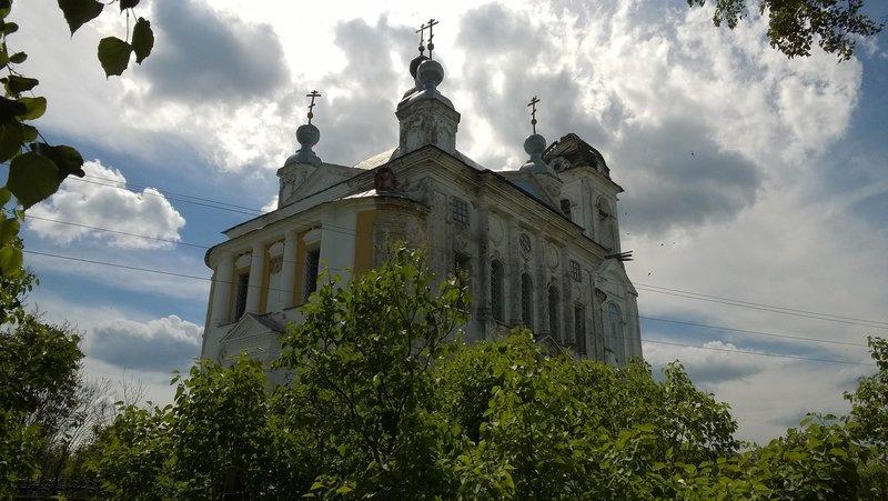 Храм Преображения Господня в селе Спас-Смердино, 19 июня 2016 года