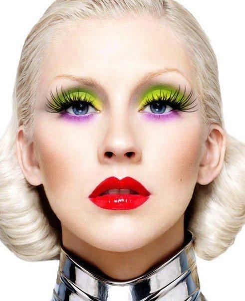 Сочетание ярких цветов в макияже