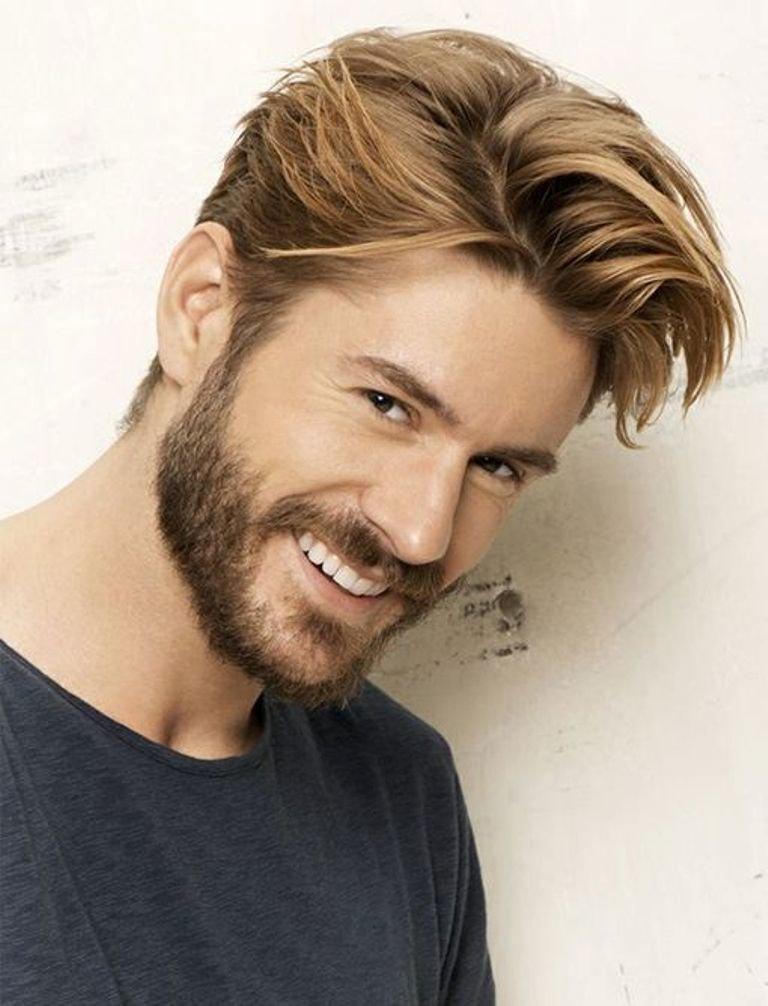 Привлекательная борода .