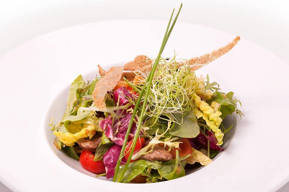 Показать рецепты салатов с фото из ресторана
