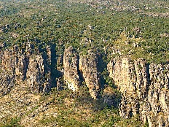 В настоящее время Национальный парк Какаду занимает площадь примерно 20 кв. км. Протяженность парка с севера на юг 200 километров, с запада на восток 100 километров.