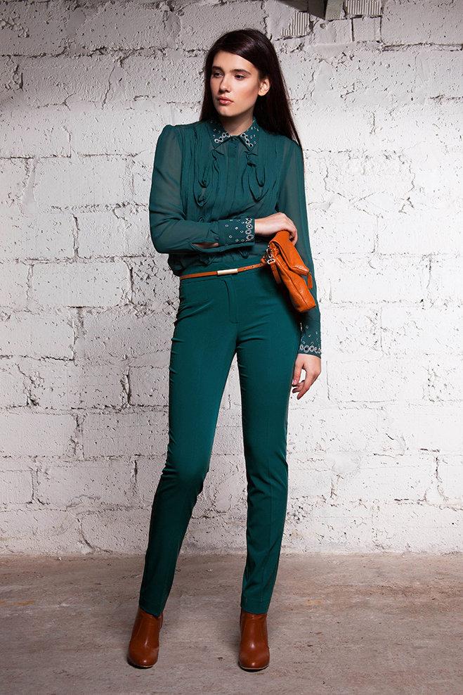 Купить костюм изумрудного цвета от Balunova 2156.3041 недорого. Доставка костюма Balunova 2156.3041 по СПб, Москве, России.