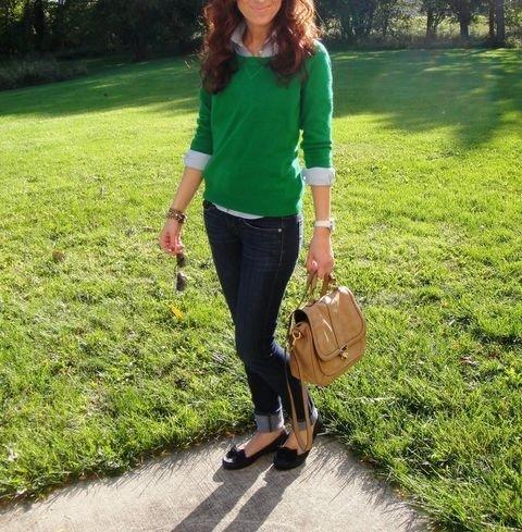 Модные женские свитера: лучшие фото на улицах мира