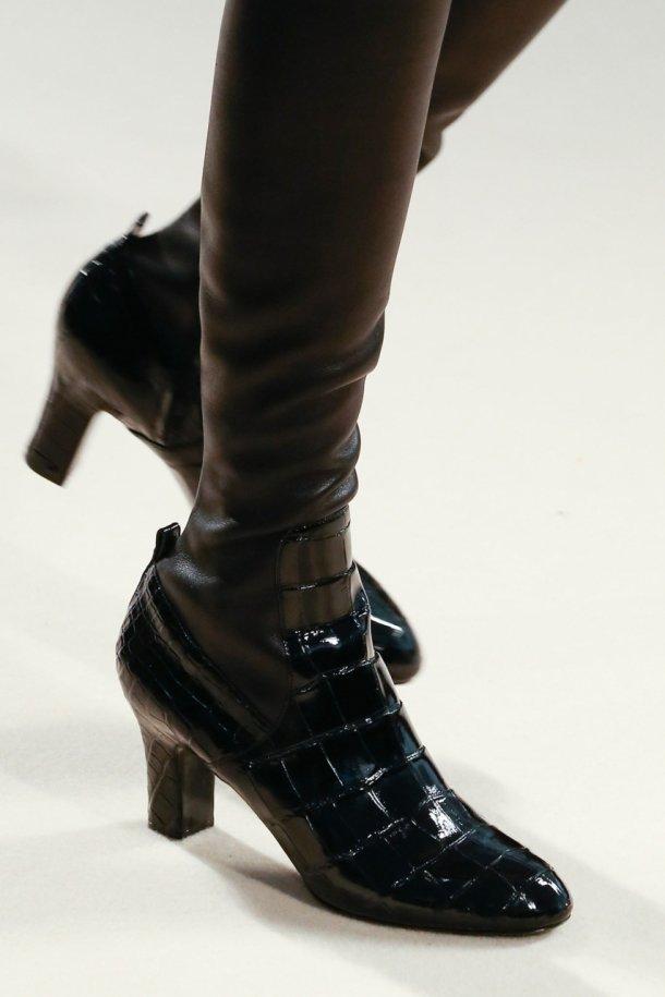 На фото: модная лакированная обувь 2015 - Louis Vuitton
