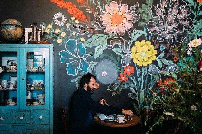 фото и стены цветами расписные