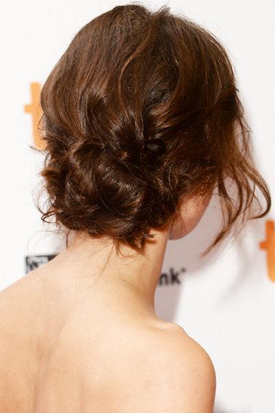 Небрежный пучок из волос  :: пучки из волос средней длины :: Fashion Stylist