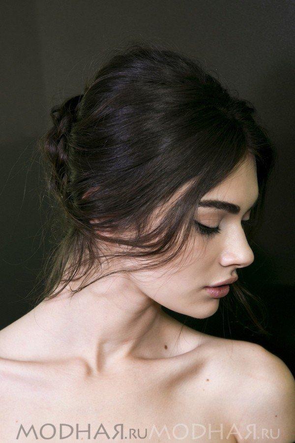 романтичная прическа на длинные волосы