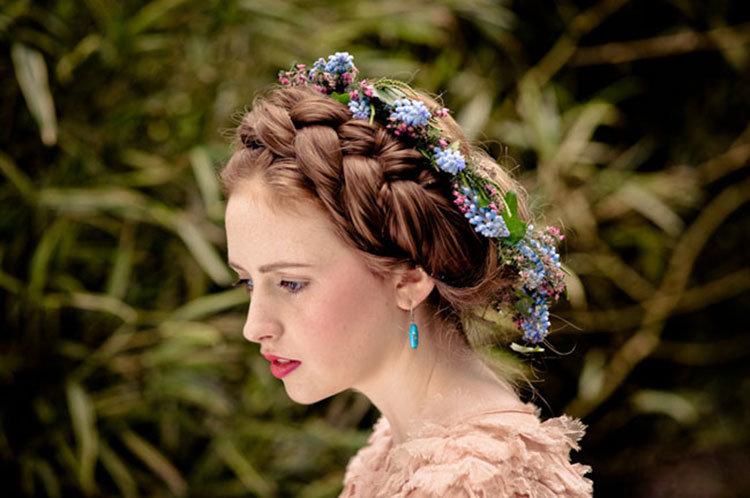 Свадебная прическа с косами фото 3