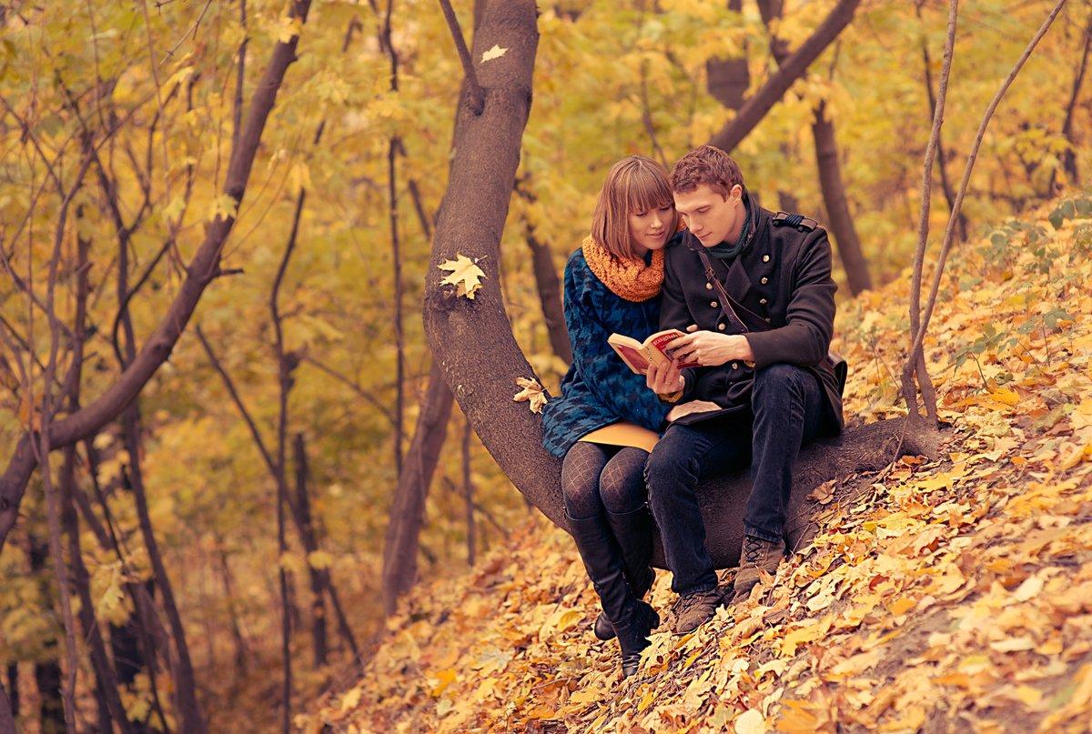 первый пара осенний лес фото встречаются приверженцы