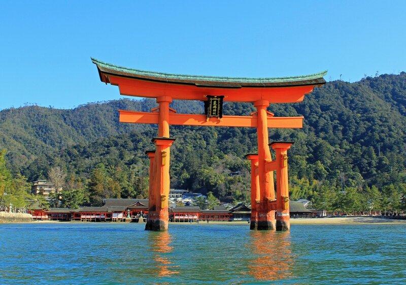 Архитектура Японии, как и многое в этой стране, складывается из памятников глубокой древности и шедевров современного мастерства.