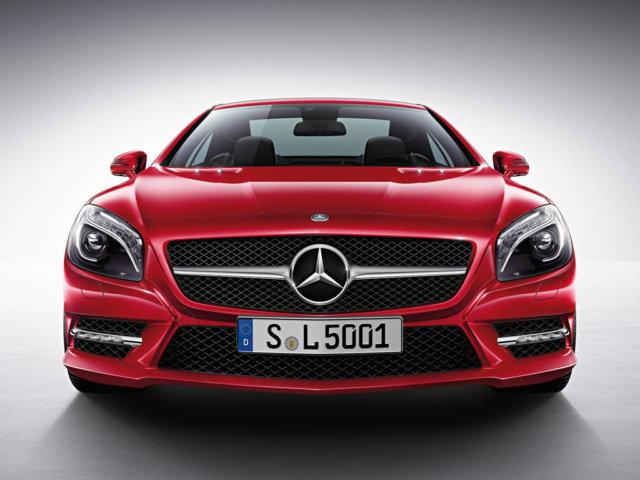 Фото Mercedes-Benz SL - красного цвета, вид спереди, немецкий автомобиль