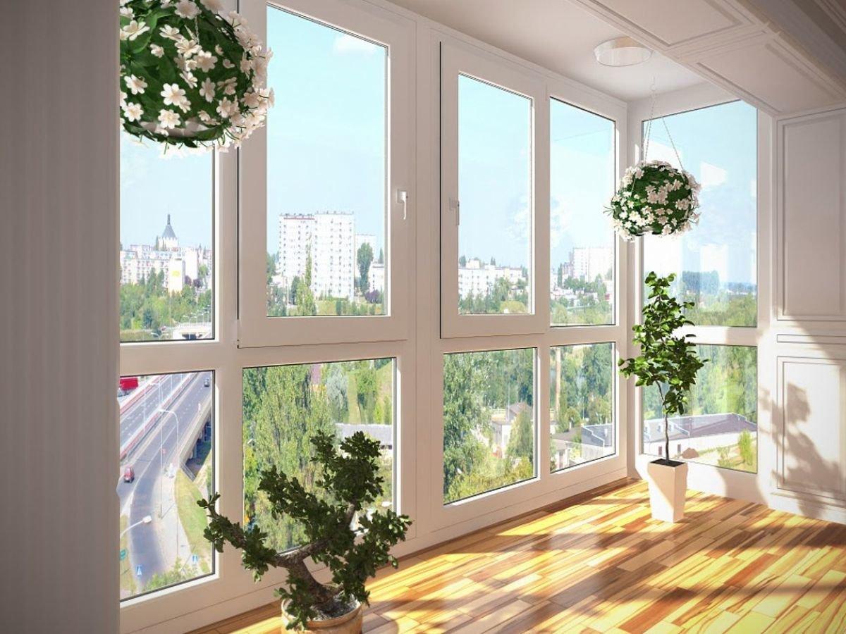 Холодное алюминиевое остекление балконов и лоджий раздвижным.