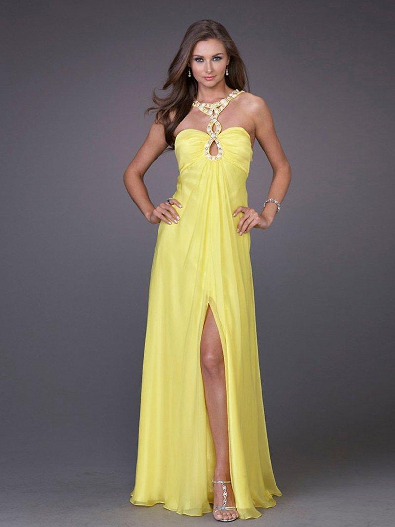 Красивое желтое длинное платье