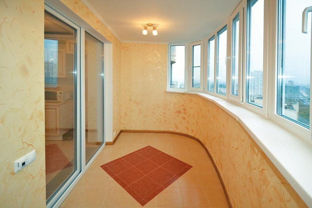"""""""богатая"""" отделка балкона в золотистых тонах"""" - карточка пол."""