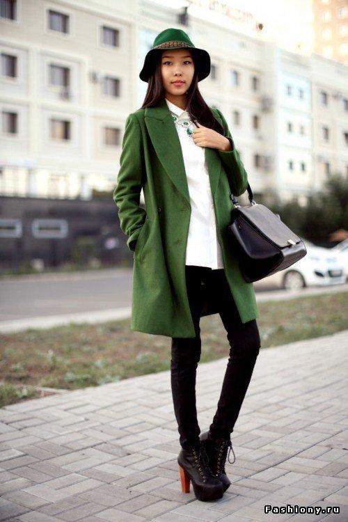 Цена пальто зеленого цвета с черным