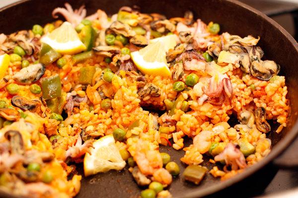 Классическая паэлья с морепродуктами рецепт с фото