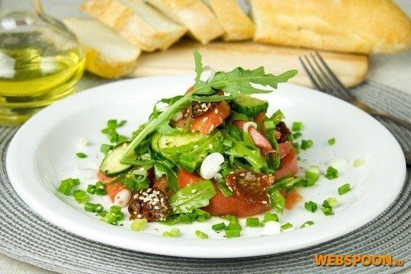 Рецепт салата с вялеными помидорами с фото