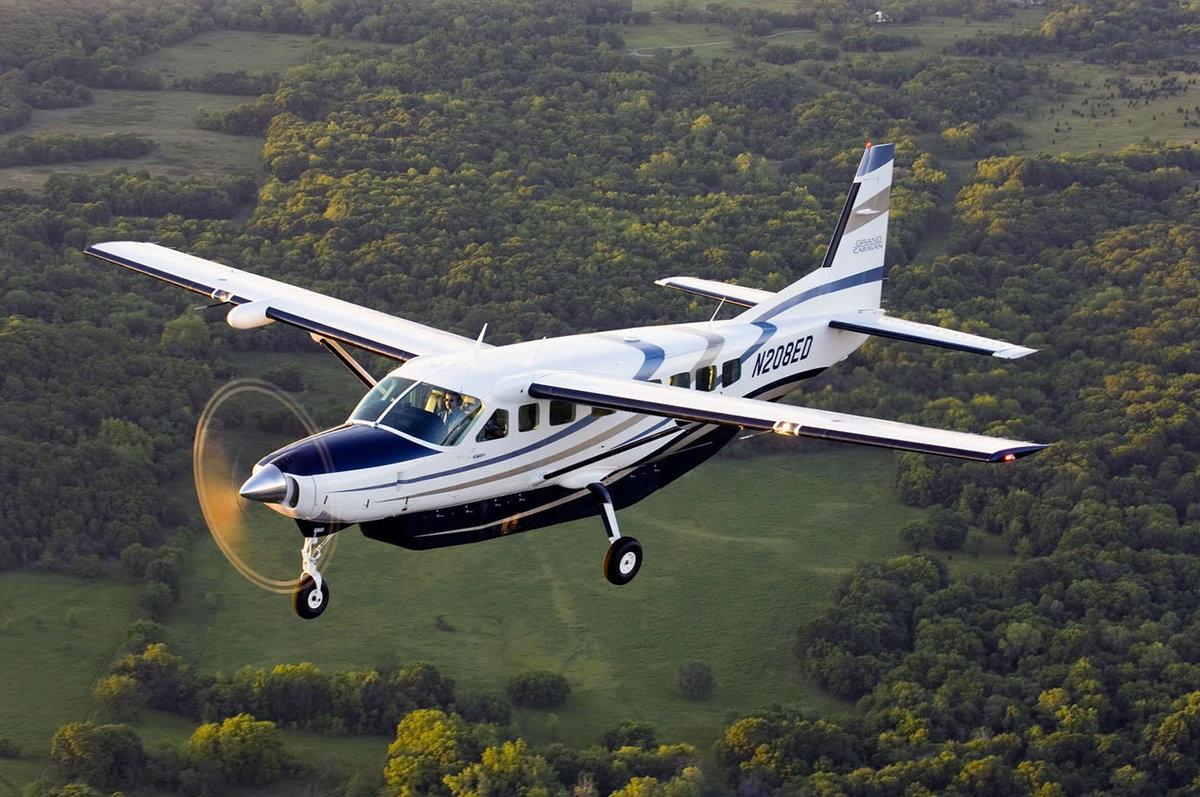 фото двухмоторного пассажирского самолета только ума