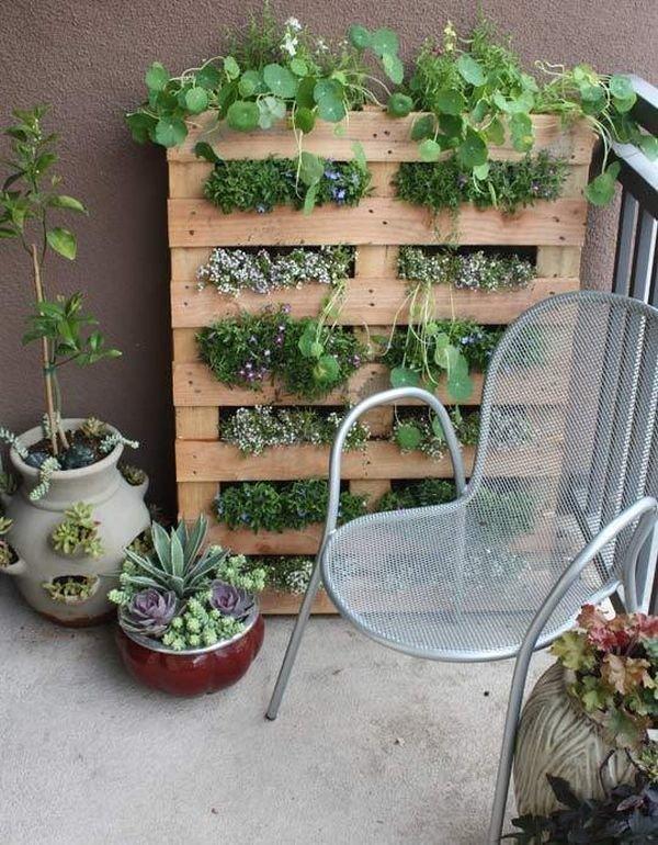 Кровати своими руками для сада