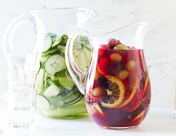 Летний напиток с вином и фруктами - сангрия