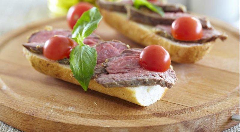 Бутерброды с ростбифом
