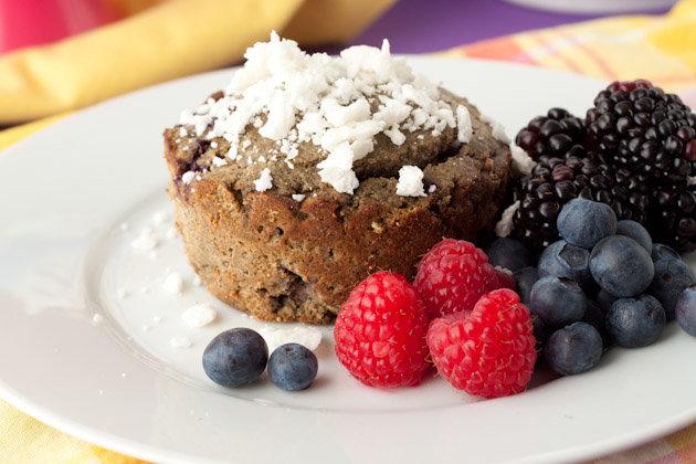 Grain-free Vanilla Berry Protein Cake #grainfree #proteincake