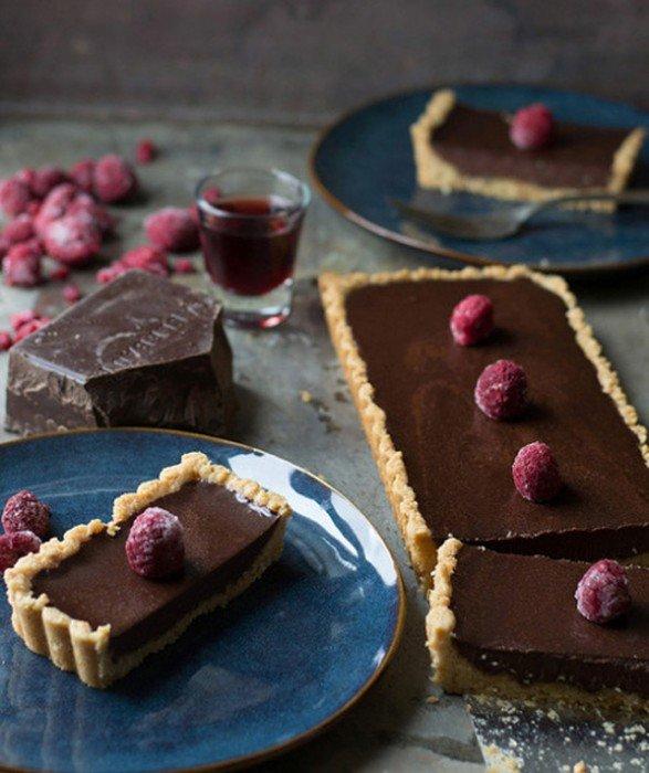 Ягодно-шоколадные протеиновые пирожные