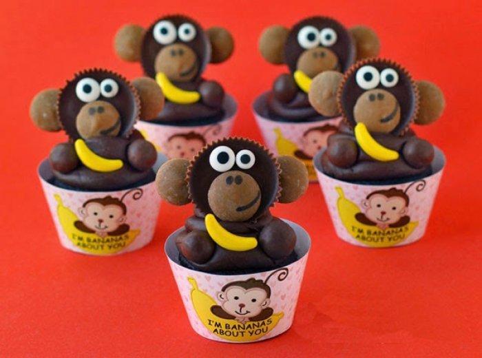 Как из конфет и прочих кондитерских изделий сделать фигурки обезьян?