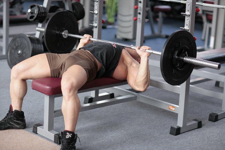 Какие мышцы работают в жиме лежа - FixBody: спорт, бодибилдинг, фитнес, воркаут, кроссфит, мотивация