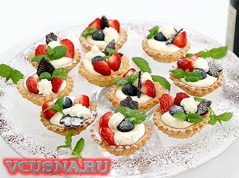 Хрупкие пирожные с фруктами VCUSNA.RU