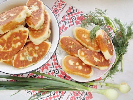 летние пирожки с укропом и яйцом