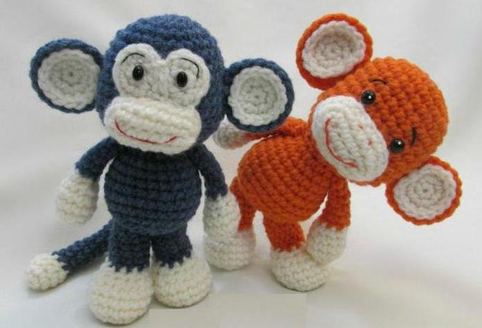 обезьянки своими руками к новому году крючком