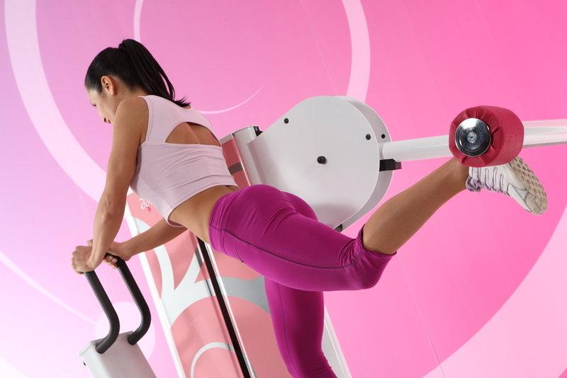 Основные упражнения на тренажерах для женщин