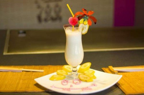 Освежаемся: домашние фруктово-ягодные молочные коктейли / Простые рецепты