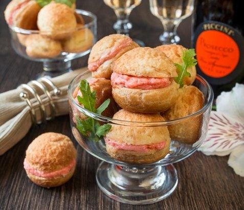 Рецепт на Новый год: Профитроли к кракелюром и лососевым муссом   Холодные закуски   Рецепты   ONLINE.UA