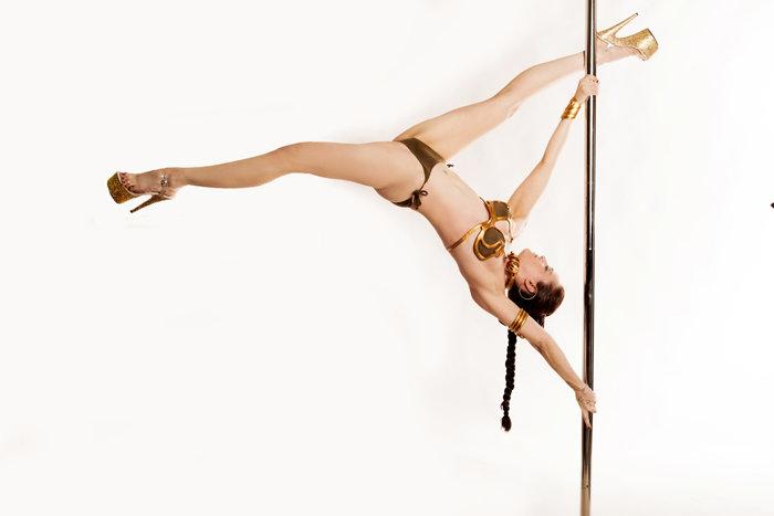 Slave Leia Pole Dance