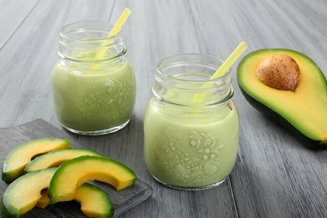 Сочетание авокадо и груши в смузи оценят гурманы