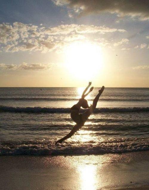 удивительно, балет, пляж, красота, танец, танцор, гибкий, девушка, прыжок, океан, море, солнце, восход солнца