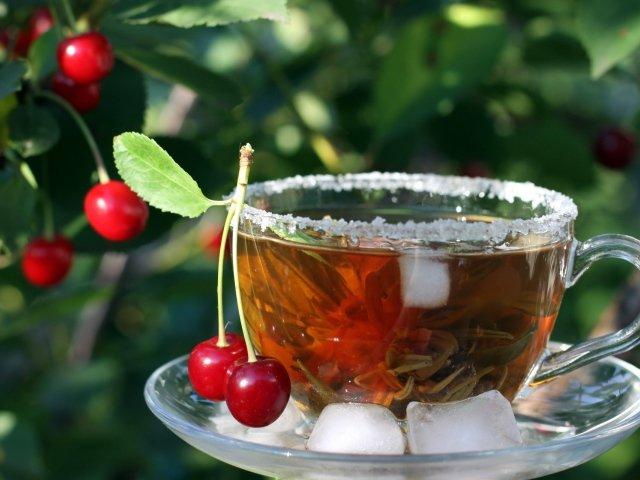 Зеленый чай с вишней