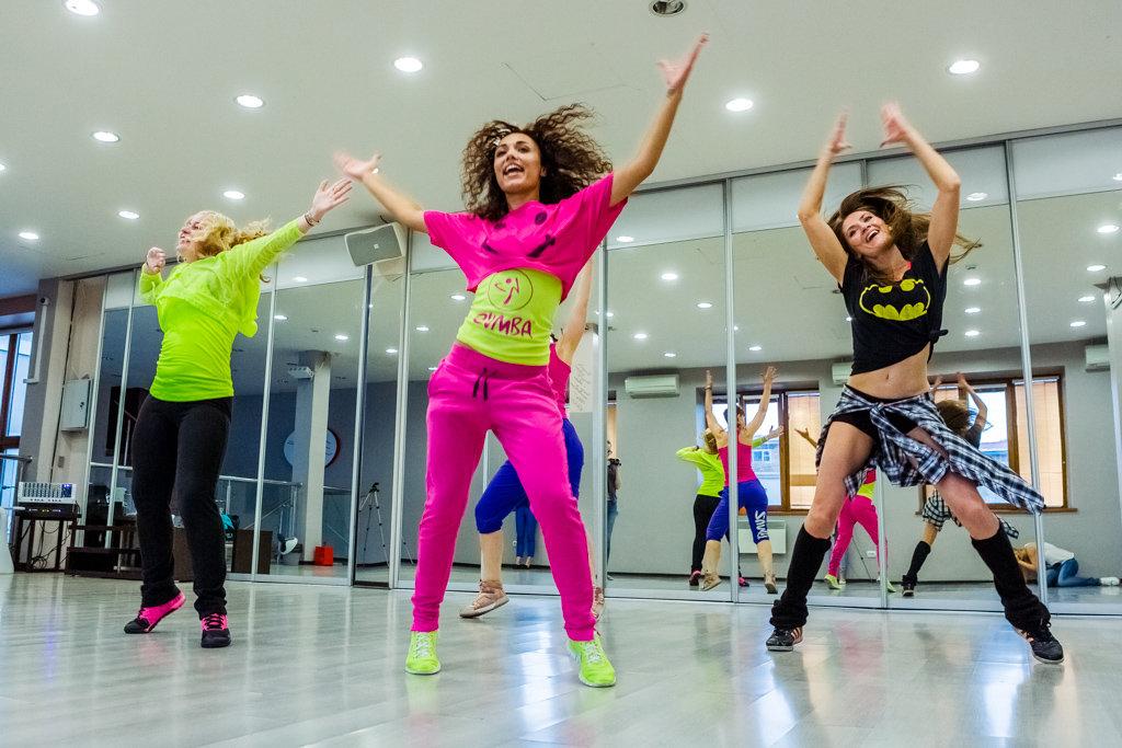 Zumba fitness во Владивостоке: минус 800 калорий за час сумасшедших танцев