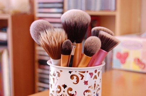 Кисти для макияжа. Как правильно подобрать кисти для макияжа. Купить кисти для макияжа.