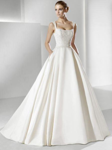 Шик в простоте: классическое свадебное платье