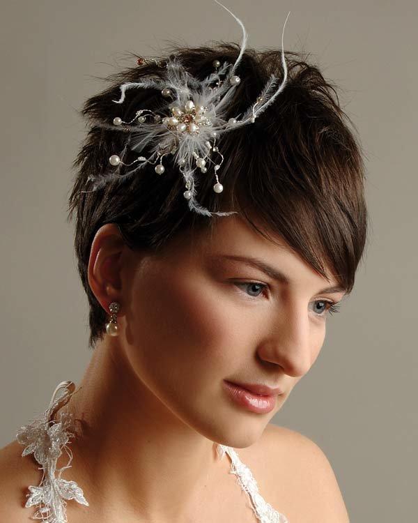 Свадебные прически на короткие волосы с выездом на дом - цены и фото в Москве