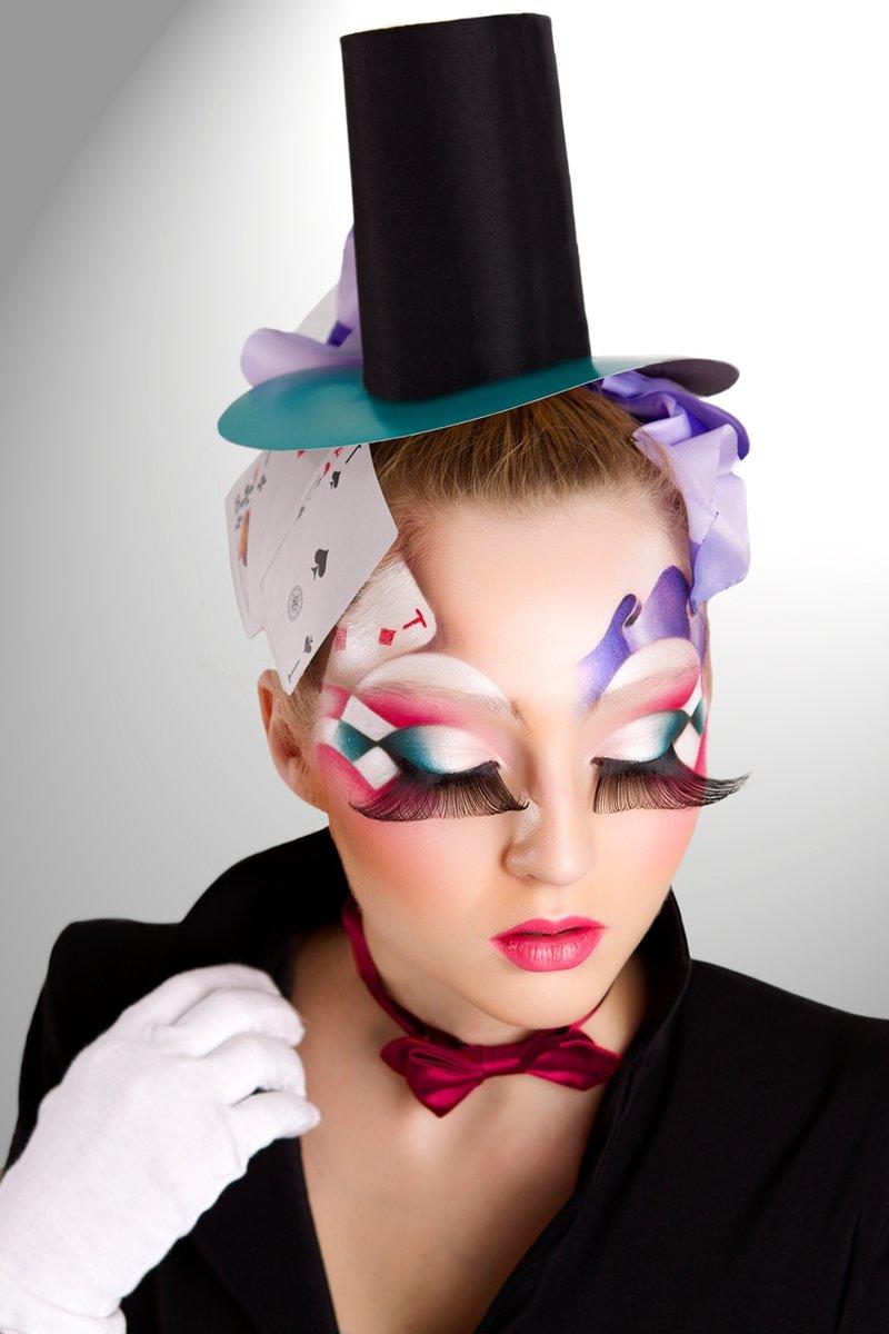 Центры профессионального макияжа и грима Make-Up Atelier в России.