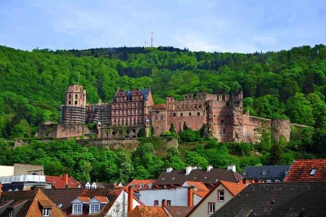 Гейдельбергский замок в Германии - самые легендарные руины Германии с интересной и непростой историей..
