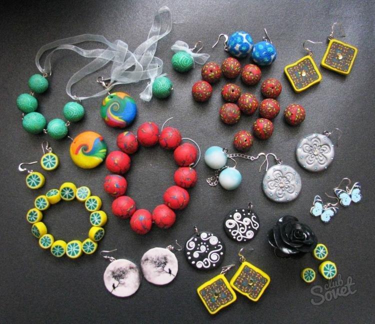 Картинки на украшениях из пластики