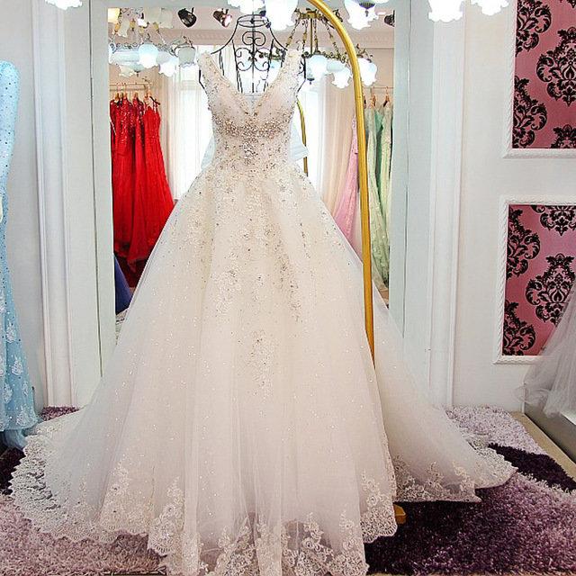 Магазины свадебных платьев и костюмов