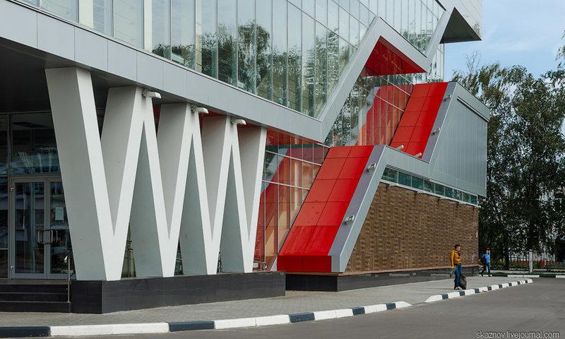Торговый комплекс на улице Гайдара Нижнего Новгорода
